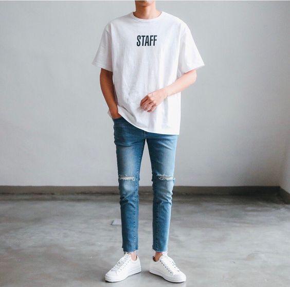ผ้าใบขาว